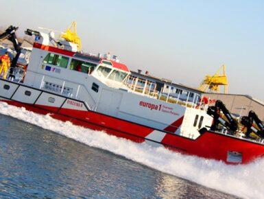 Implantation d'un bateau-pompe franco-allemand sur le Rhin