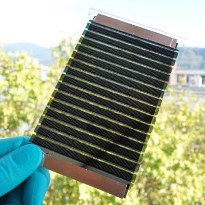 PROOF: Panneaux photovoltaïques organiques pour éléments de toiture de bâtiments commerciaux, industriels et logistiques